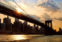 Brooklyn Bridge und Lower Manhattan